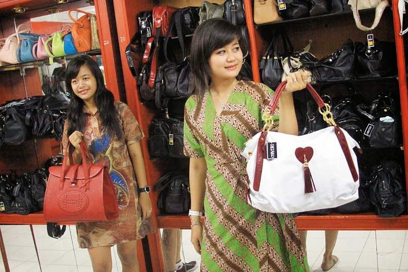 Wisata Belanja Sidoarjo Jawa Timur Sentra Produksi Tas Tanggulangin Kab