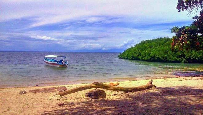 Dinas Kominfo Situbondo Publikasikan Wisata Terbaik Melalui Medsos Pantai Bekol