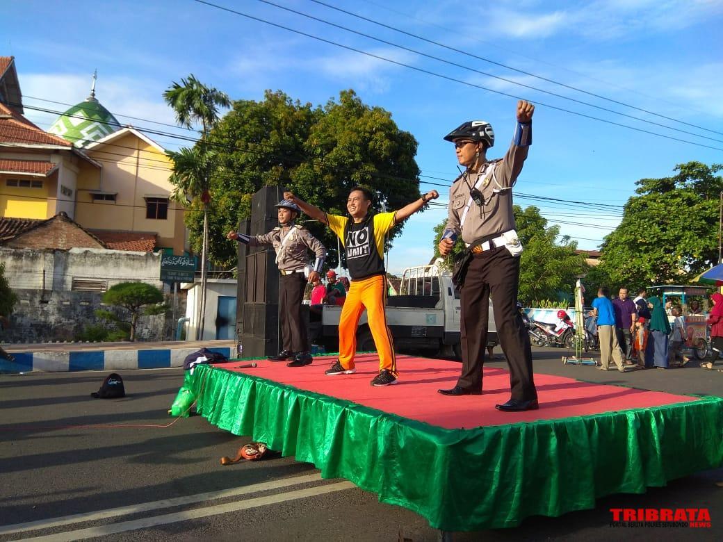 Unit Dikyasa Meriahkan Peringatan Hari Kartini Acara Car Free Day