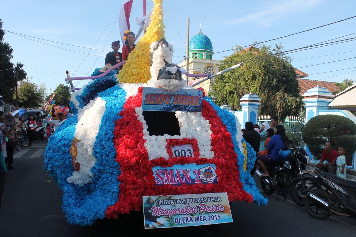 2015 Inspirasi Pelajar Tidak Sedikit Penduduk Kabupaten Situbondo Menonton Carnaval