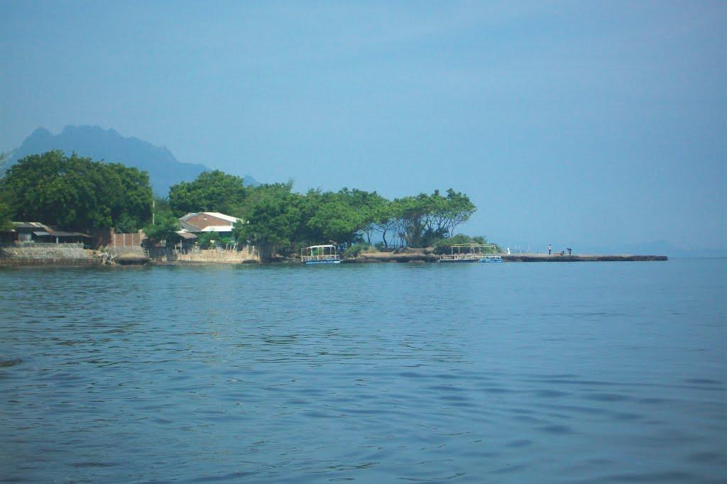 25 Tempat Wisata Terbaik Situbondo Jawa Timur Pantai Pathek Kolam