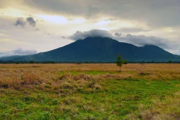 7 Obyek Wisata Situbondo Patut Dikunjungi Kolam Renang Tirta Pandawa