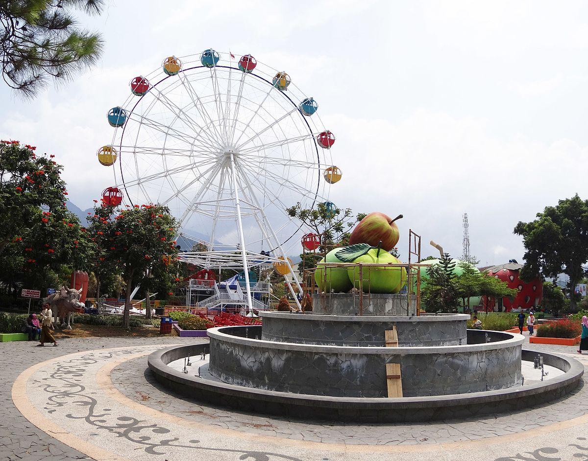 Batu City Wikipedia Wisata Alun Taman Kota Situbondo Kab