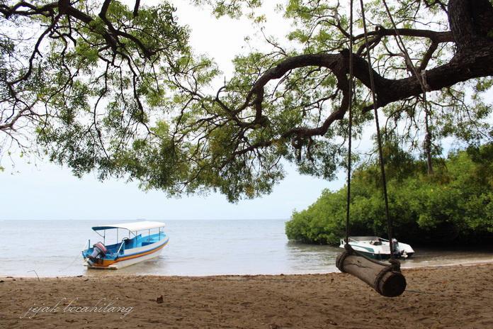 Pantai Bama Balanan Bilik Situbondo Pusat Data Kabupaten Wisata Alun