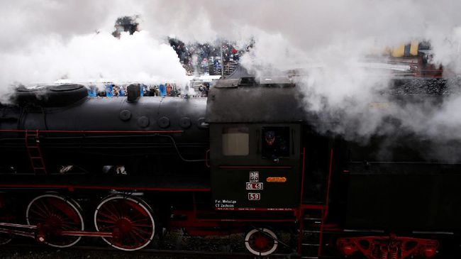 Pabrik Gula Olean Sembari Naik Kereta Uap Keliling Wisata Kab