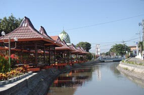 Kuliner Khas Melengkapi Wisata Sungai Situbondo Pusat Rumah Dalem Tengah