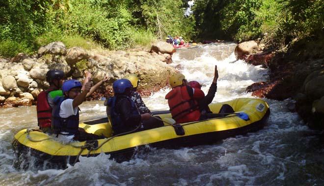 Travelling Tempat Wisata Situbondo Loh Arung Jeram Samir Indah Photoby