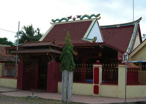 Pesona Keindahan Wisata Kelenteng Poo Tong Biaw Situbondo Daftar Warna