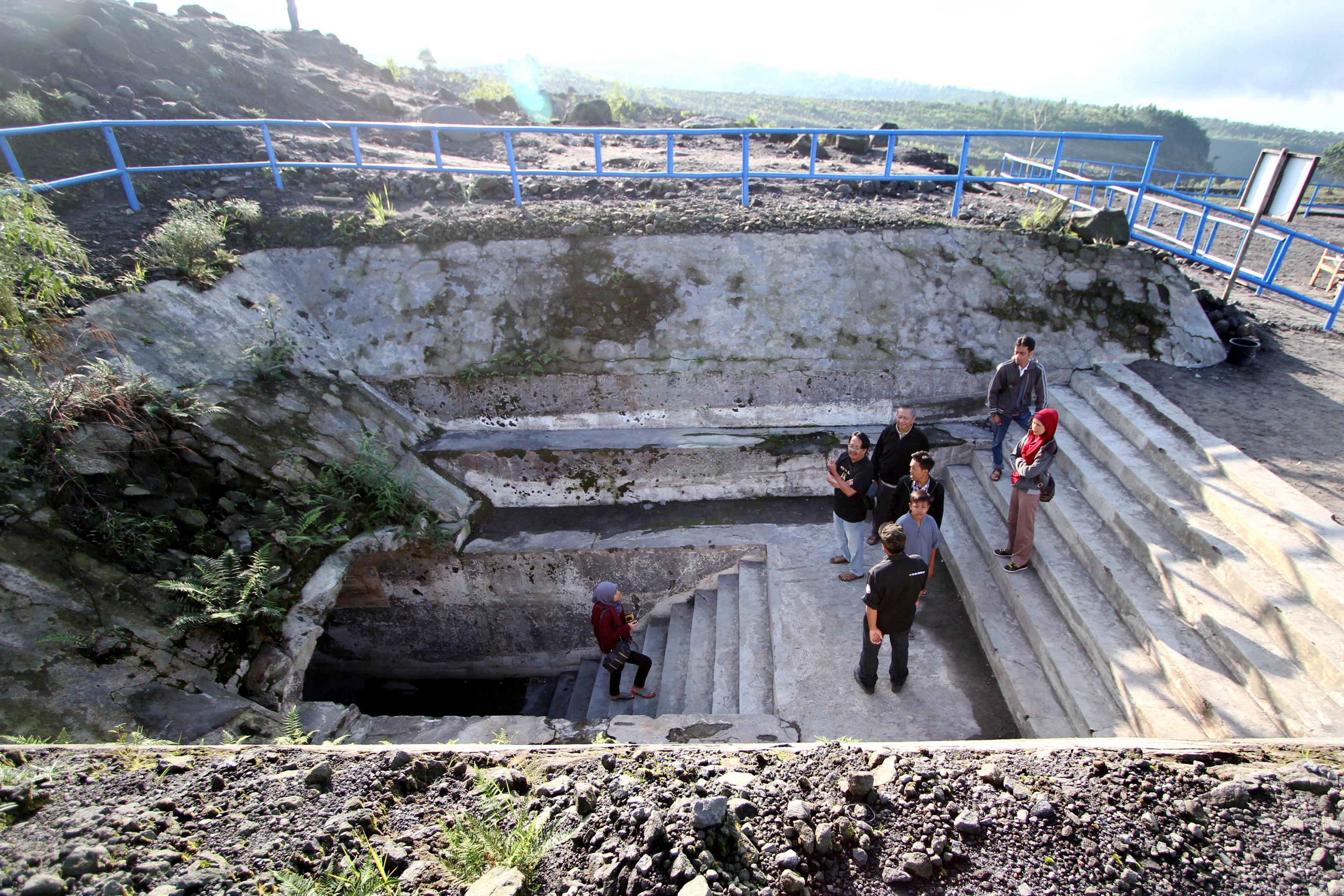 Bunker Merapi Kawasan Lereng Gunung Sleman Yogyakarta Berita Daerah Kaliadem