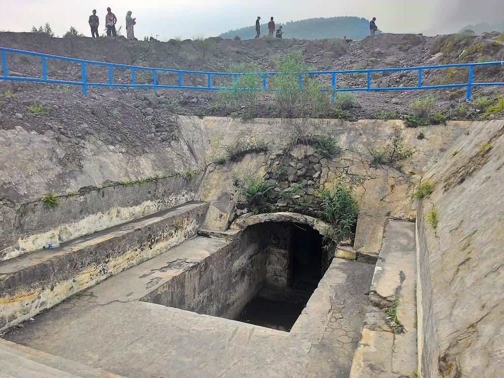 Lava Tour Sambil Ngadem Kaliadem Foto Diambil Bunker Kab Sleman