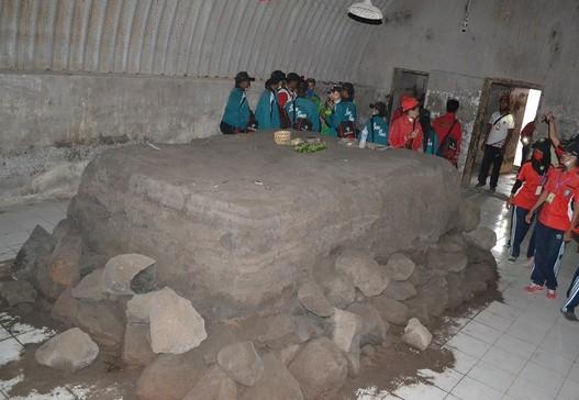 Objek Wisata Bunker Kaliadem Merapi Pakem Sleman Yogyakarta Sarankan Mencari