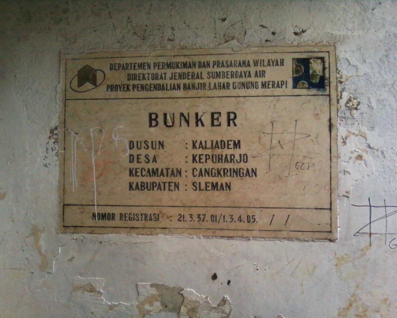 Walking Lava Tour Kaliadem 1 Terdapat Bunker Dahulu Menewaskan Dua