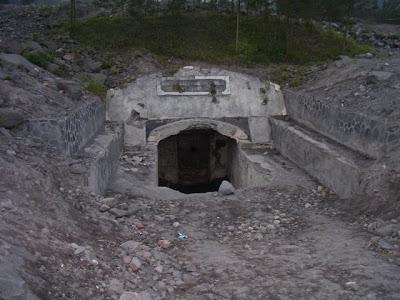 Wisata Bunker Kaliadem Merapi Jogja Kaliurang Harga Tiket Masuk Cangkringan