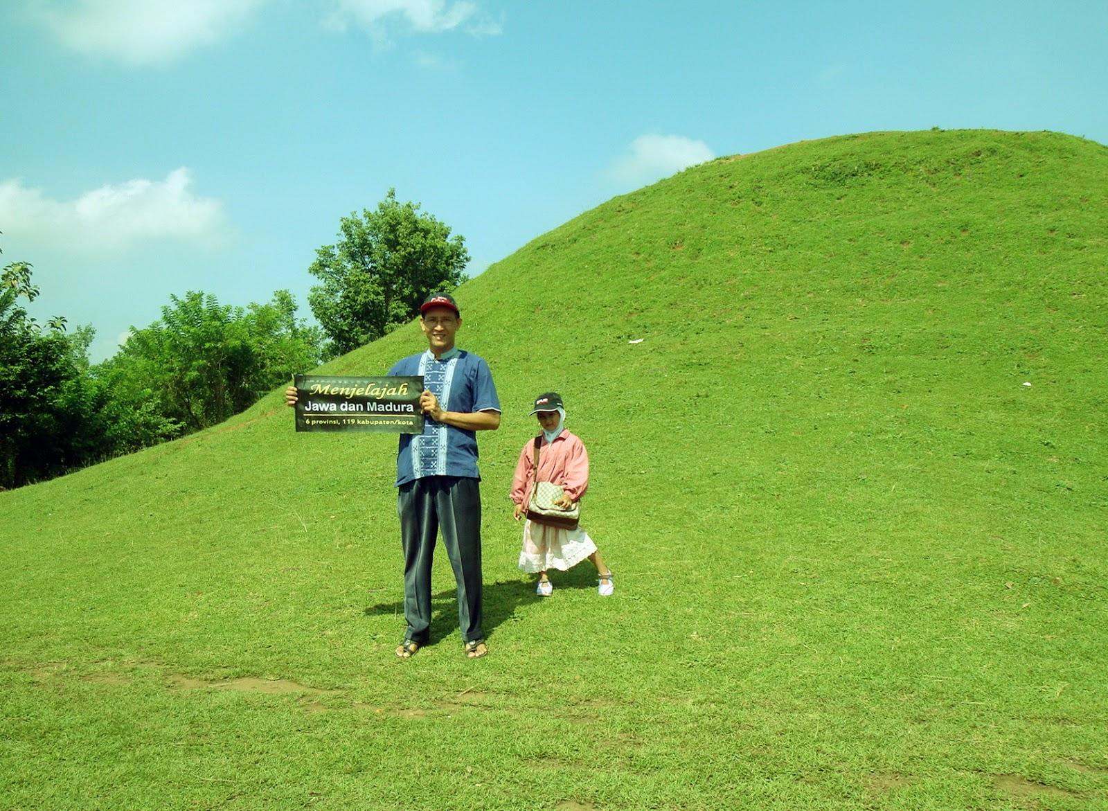 Firdaus Ubaidillah Bukit Teletubbies Candi Abang Berbah Sleman Terletak Dusun