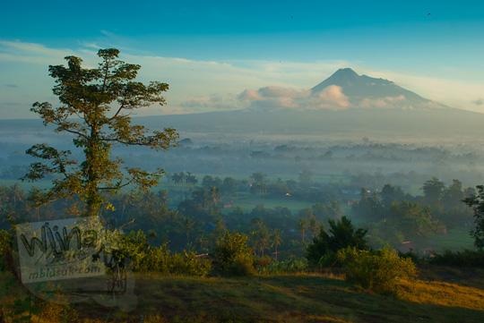 Maw Mblusuk Siluet Candi Abang Semangat Pagi Foto Pemandangan Indah
