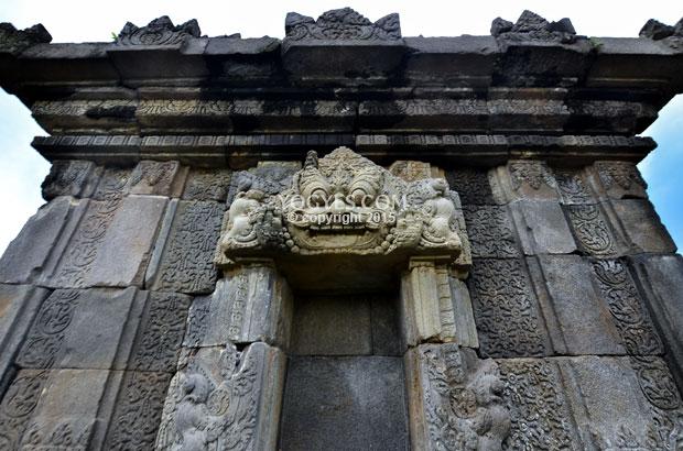 Barong Temple Kalas Smiles Accompany Sunset Candi Kab Sleman