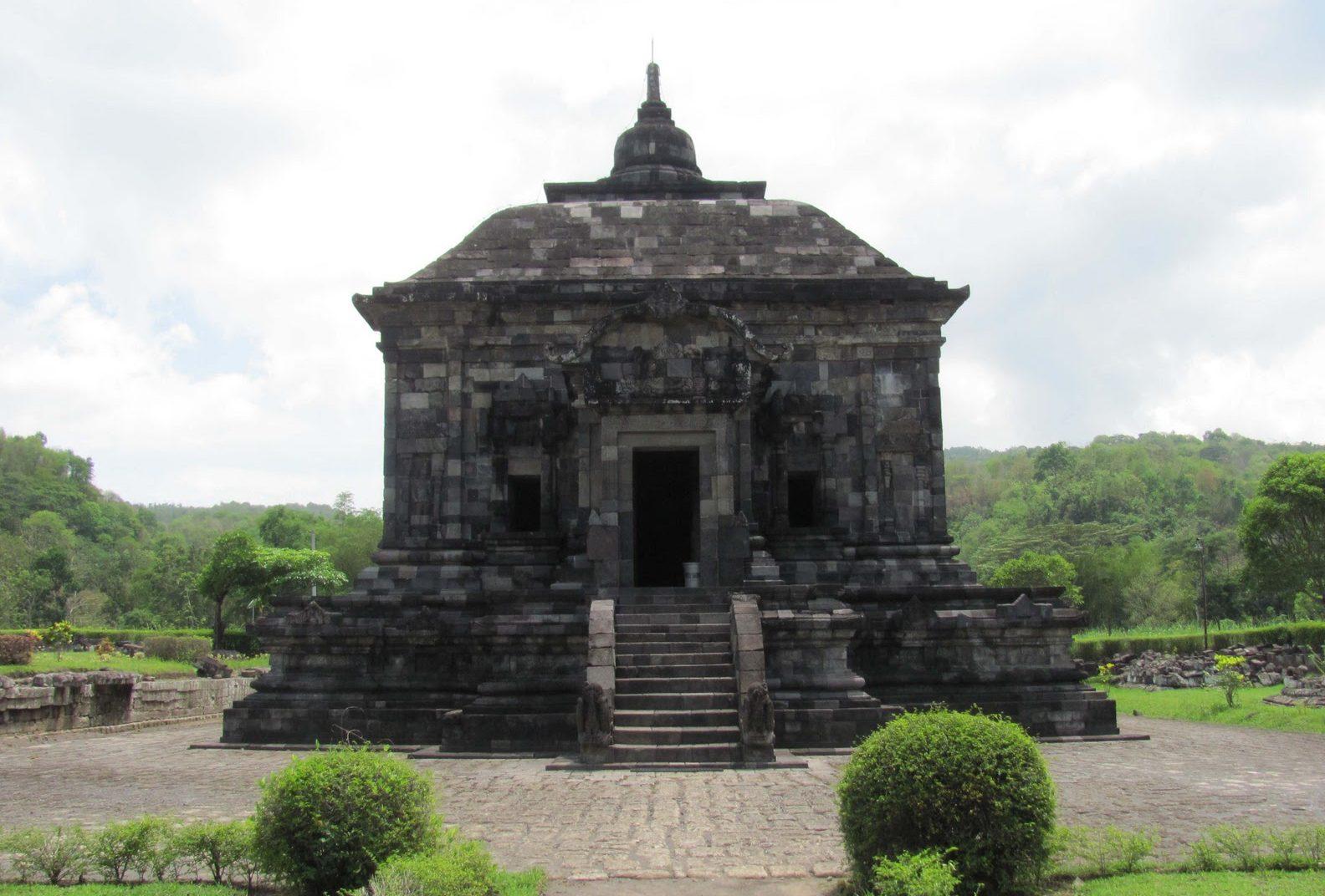 Candi Banyunibo Terletak Kabupaten Sleman Yogyakarta Menyendiri Terpisah Lainnya Awal