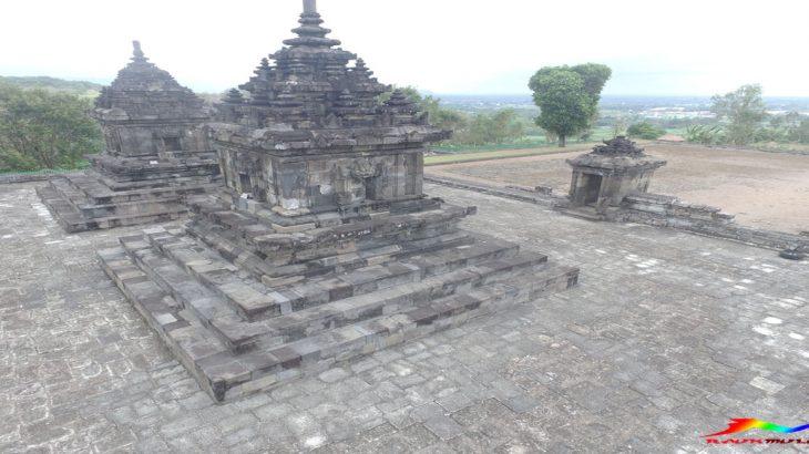 Candi Barong Sleman Pesona Hijau Depan Mata Raunmulu Kab