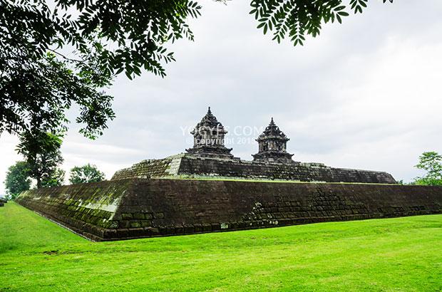 Candi Barong Temple Traveler Reviews Kab Sleman