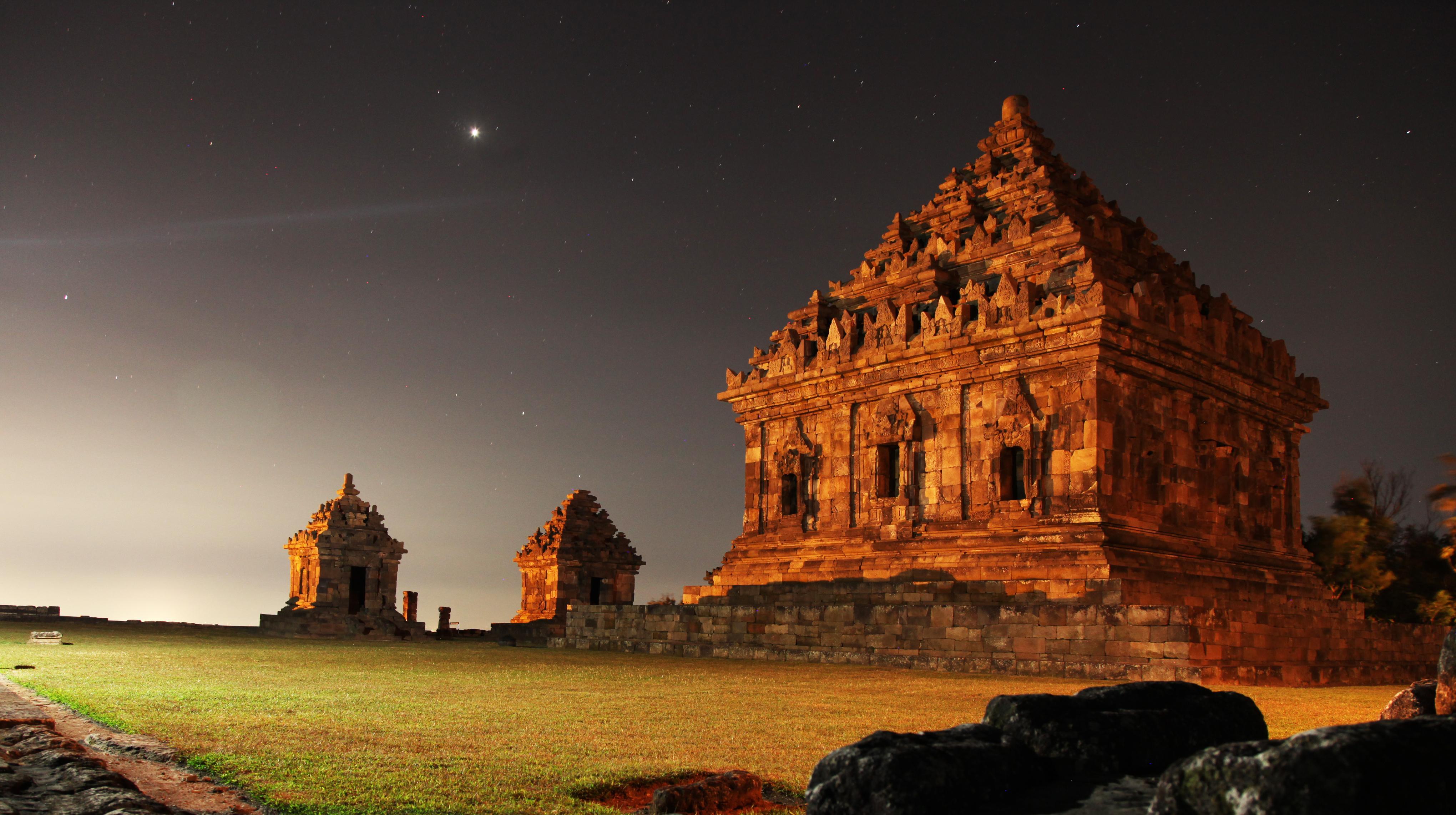 Ijo Temple Wikipedia Candi Barong Kab Sleman