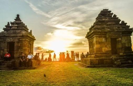 Objek Wisata Budaya Menarik Candi Barong Prambanan Sleman Yogyakarta Kab