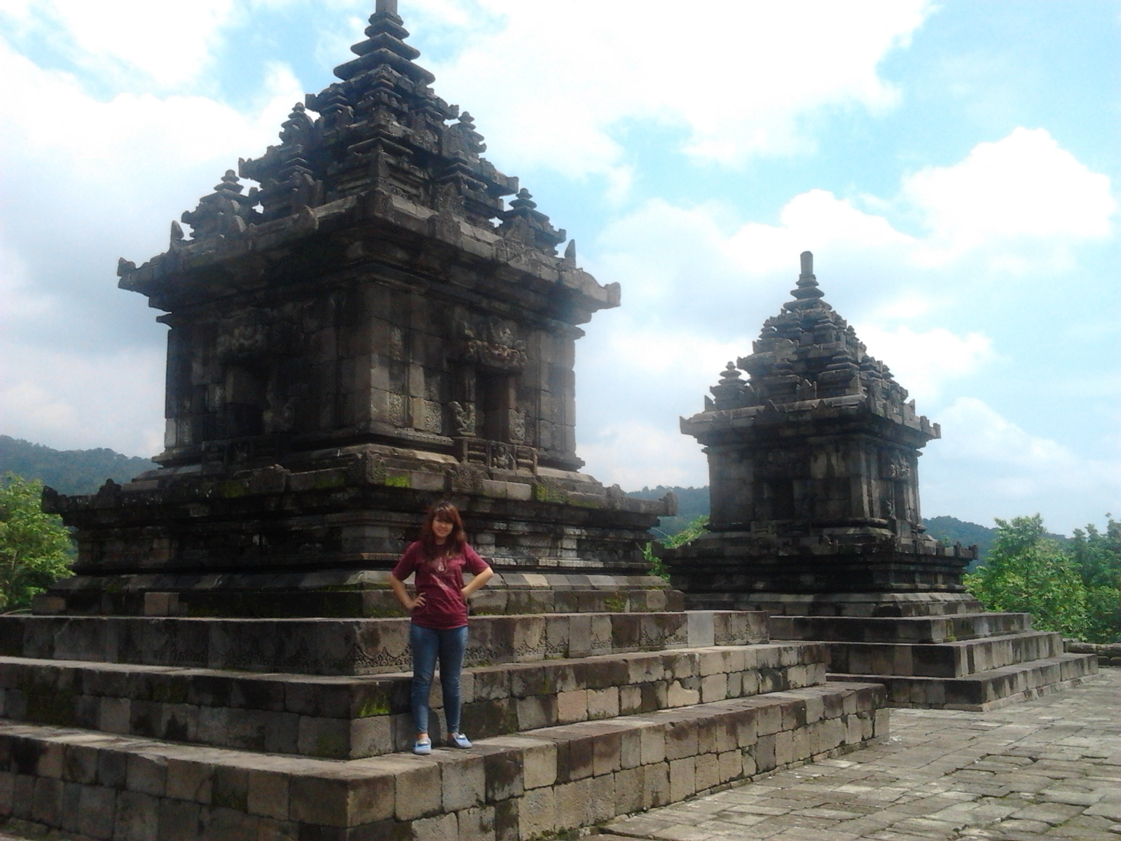 Veronikadiahkusumawati Candi Barong Kabupaten Sleman Dua Dewa Wisnu Dewi Sri