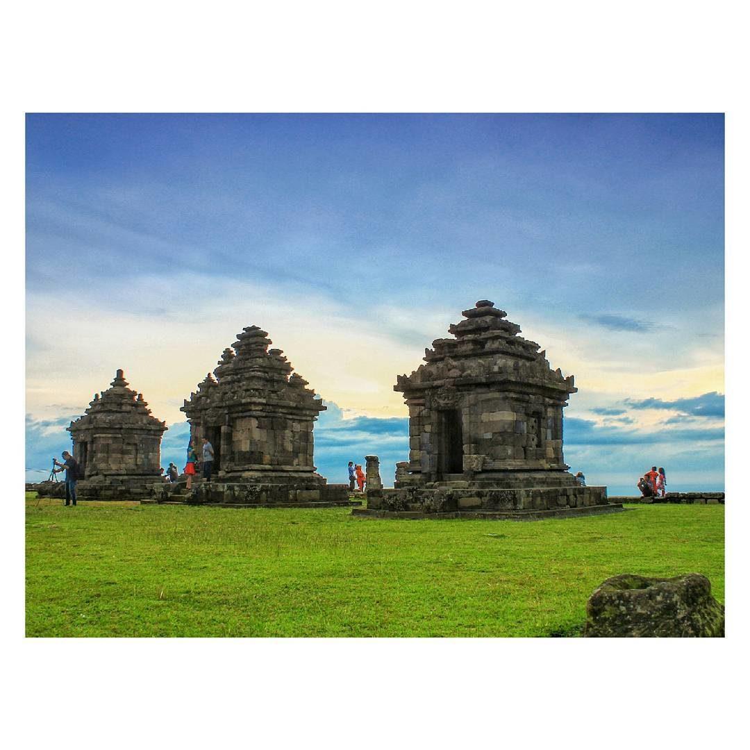 Berkeliling Komplek Candi Ijo Sleman Yogyakarta Kab