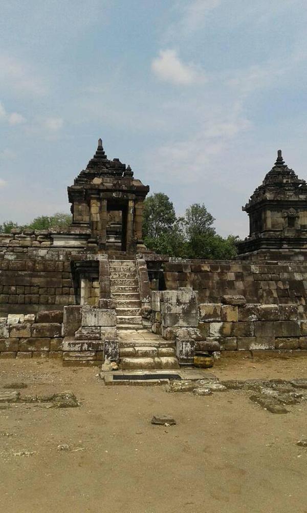 Candi Barong Bercorak Hindu Sleman Lihat Id Indonesia Ijo Kab