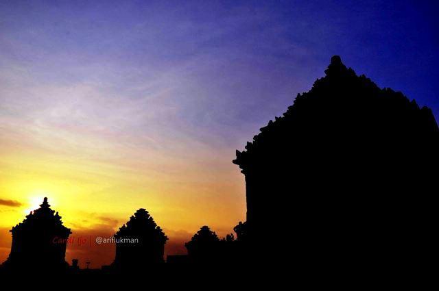 Suguhan Sunset Ngabuburit Candi Ijo Oleh Arif Hakim Kab Sleman