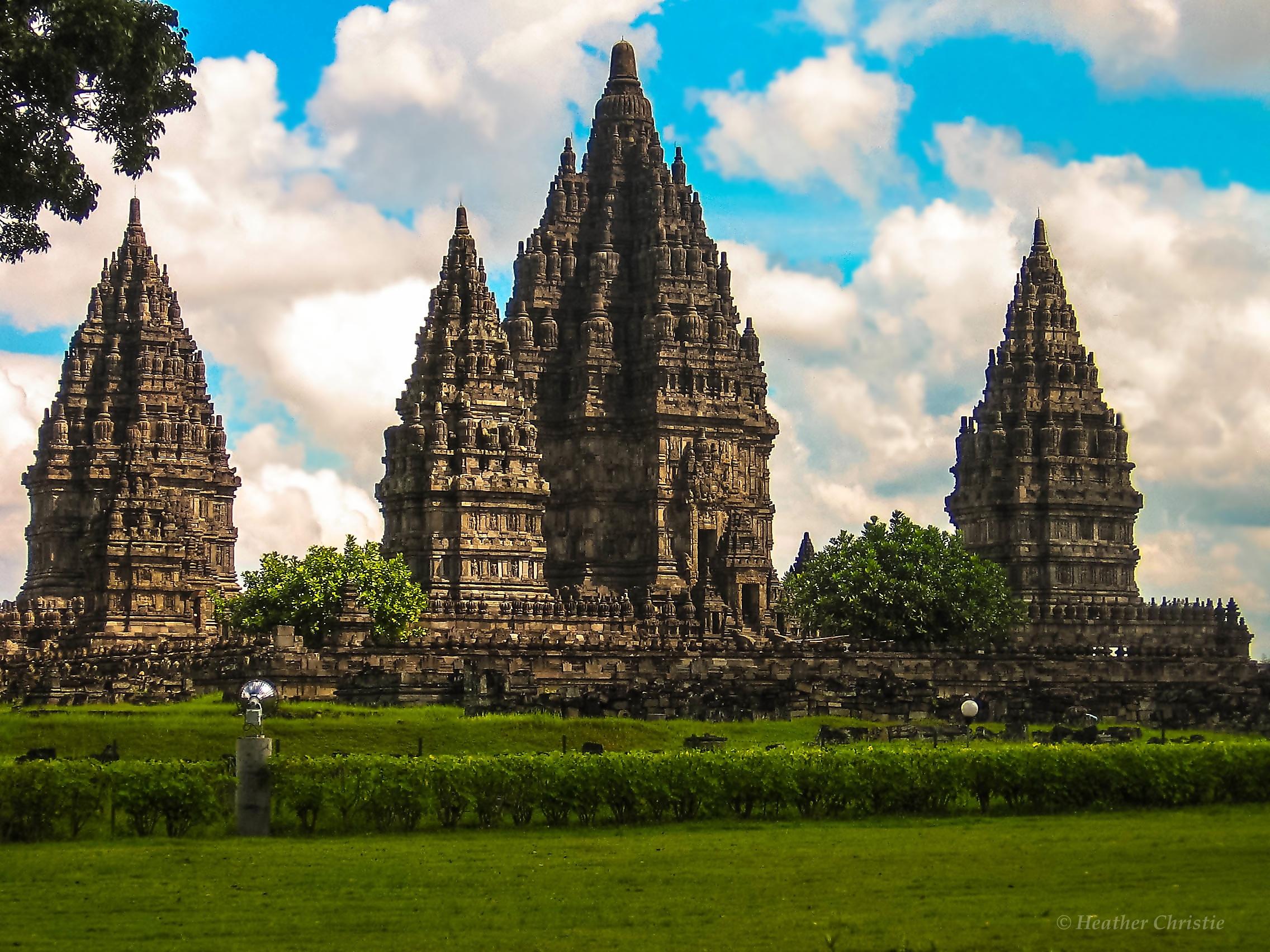 Candi Prambanan Destinasi Wisata Sejarah Budaya Masewo Kab Sleman