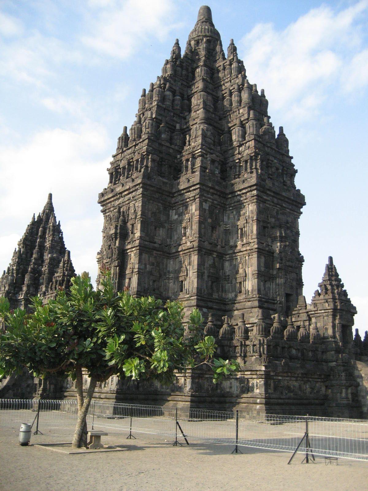 Candi Prambanan Rara Jonggrang 9th Century Hindu Temple Compound Central