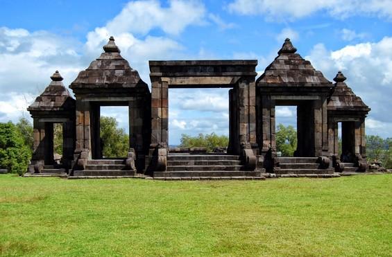 Objek Wisata Budaya Candi Ratu Boko Prambanan Sleman Yogyakarta Salah