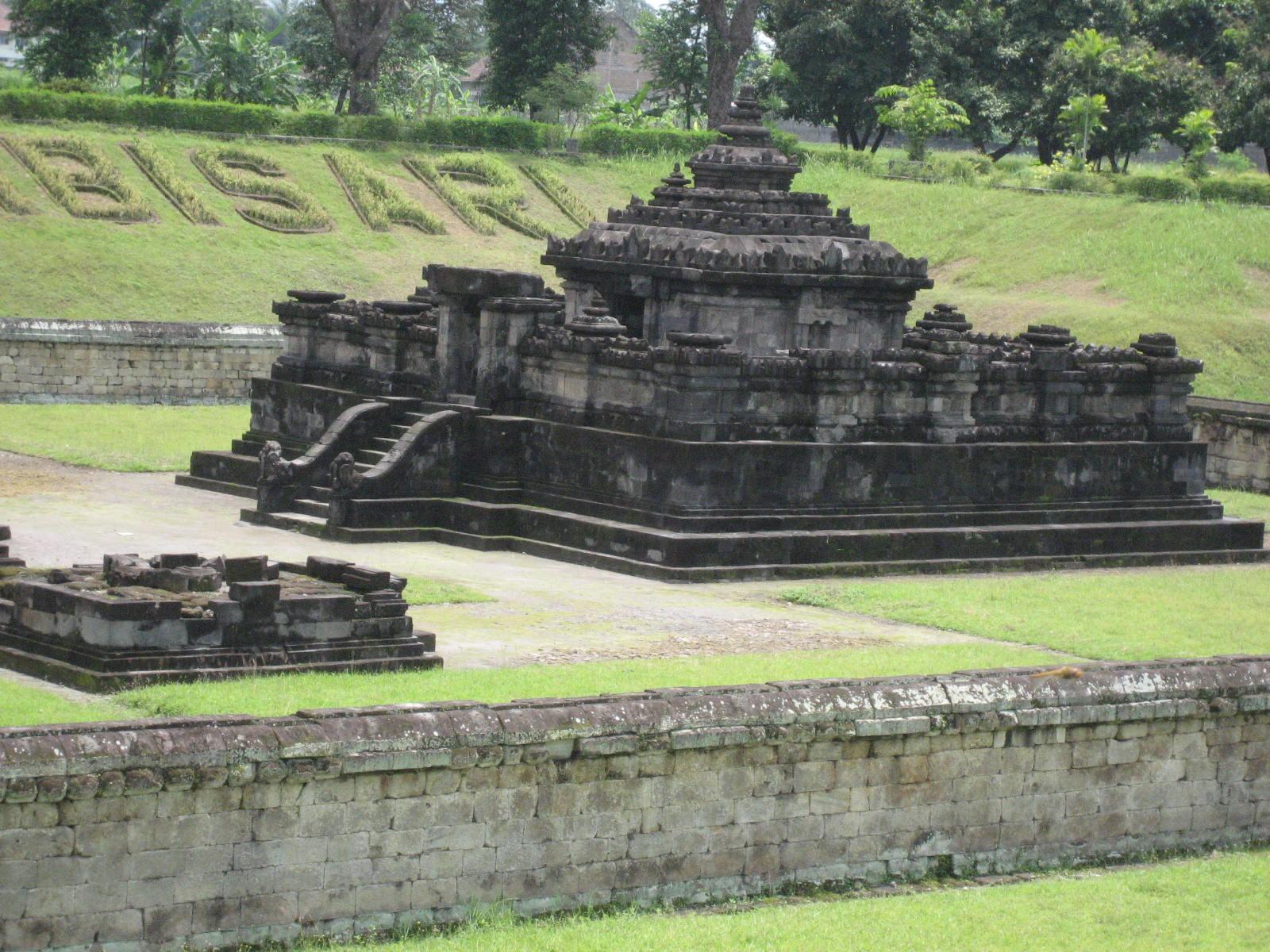Candi Sambisari Paket Wisata Jogja Murah Kab Sleman