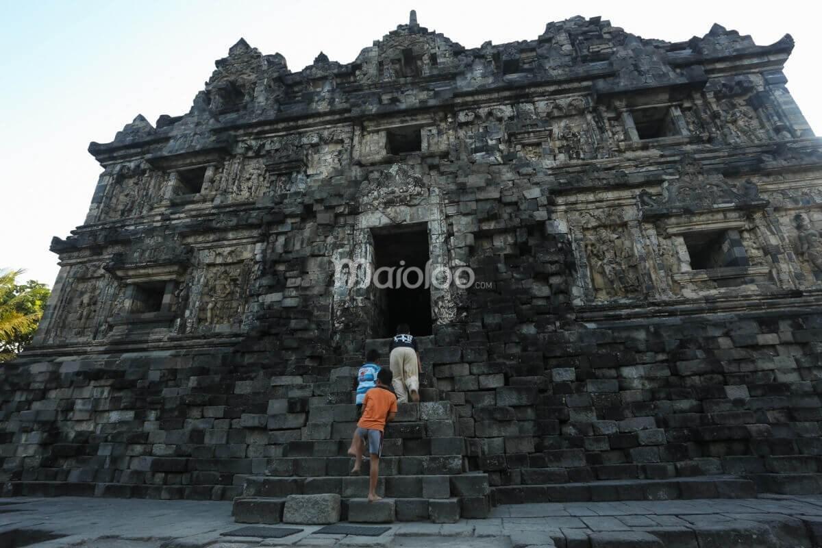 Candi Sari Keagungan Legenda Balik Pahatan Arca Gerbang Sleman Yogyakarta