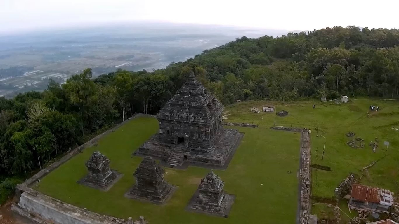 Film Dokumenter Candi Ijo Yogyakarta Video Udara Aerial Shoot Animasi