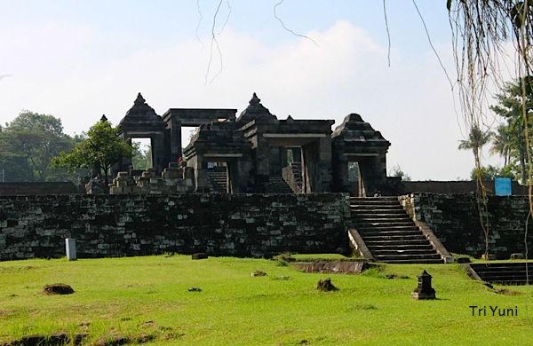 Candi Ratu Boko Paket Tour Wisata Istana Kab Sleman