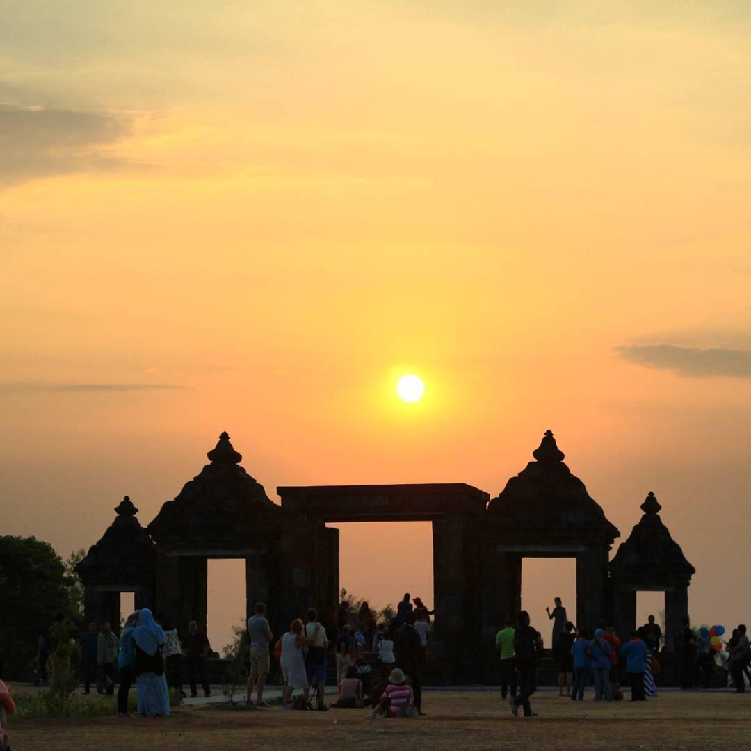 Candi Ratu Boko Yogyakarta Siluet Indah Berlatar Belakang Jogja Tofikrozaq