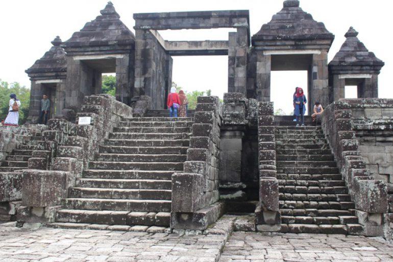 Kedamaian Kerajaan Ratu Boko Kecamatan Prambanan Kabupaten Sleman Istana Kab