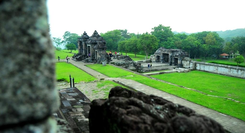 Pesona Wisata Candi Istana Ratu Boko Jogja Misterinya Tribun Situs