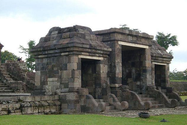 Wisata Istana Ratu Boko Sleman Yogyakarta Infoindoku Gerbang Paduraksa Pintu
