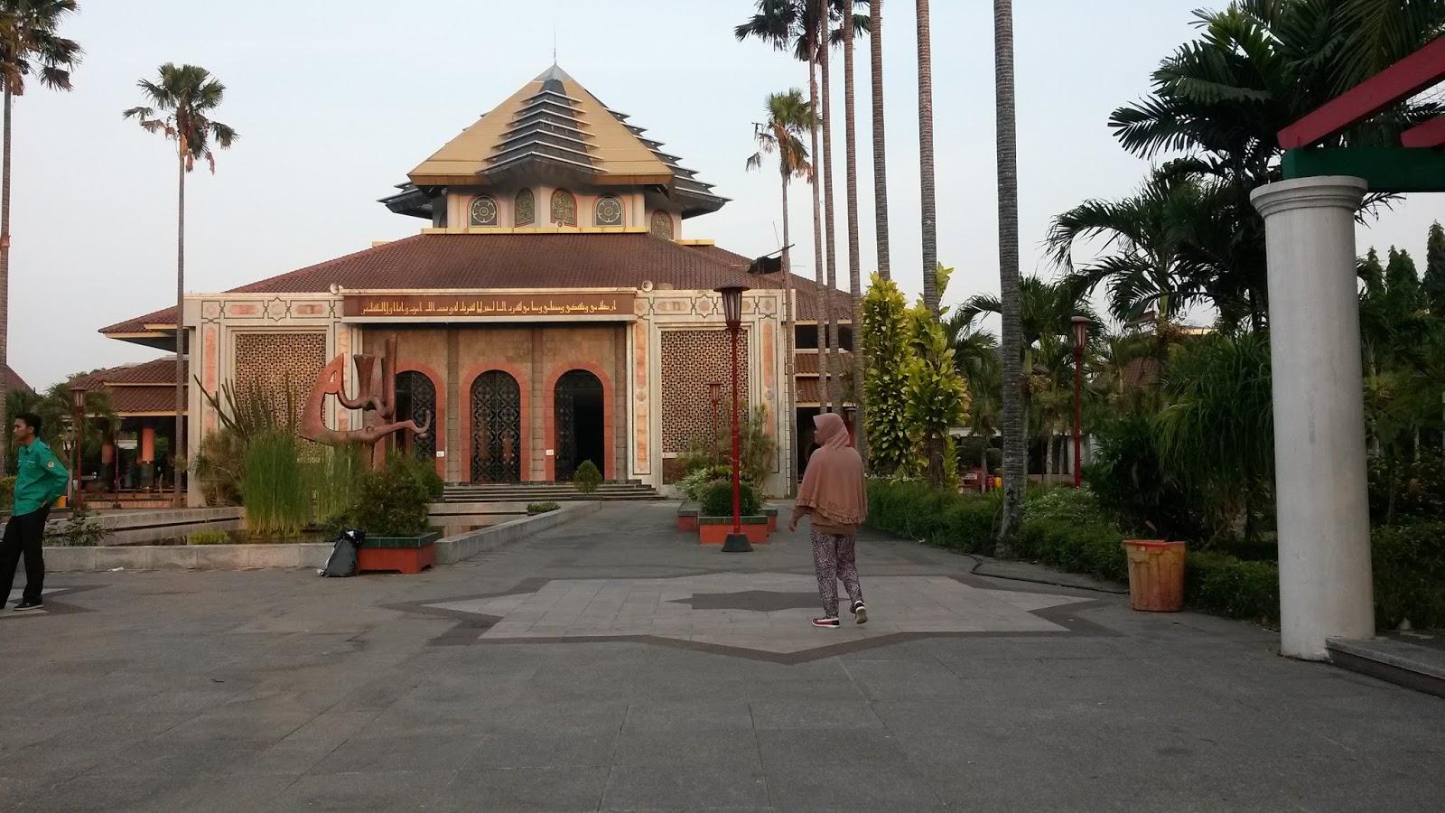 Hikmatnya Berjumat Masjid Ugm Rudihont Wakatobi Maskam Kab Sleman