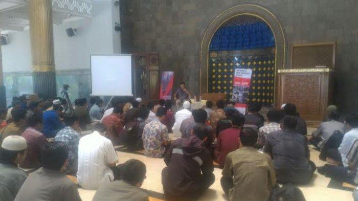 Ketua Baznas Isi Ceramah Salat Tarawih Malam Masjid Kampus Ugm
