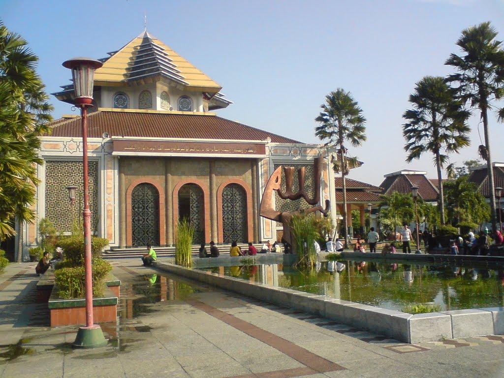 Masjid Kampus Ugm Masresna Mapio Net Maskam Kab Sleman