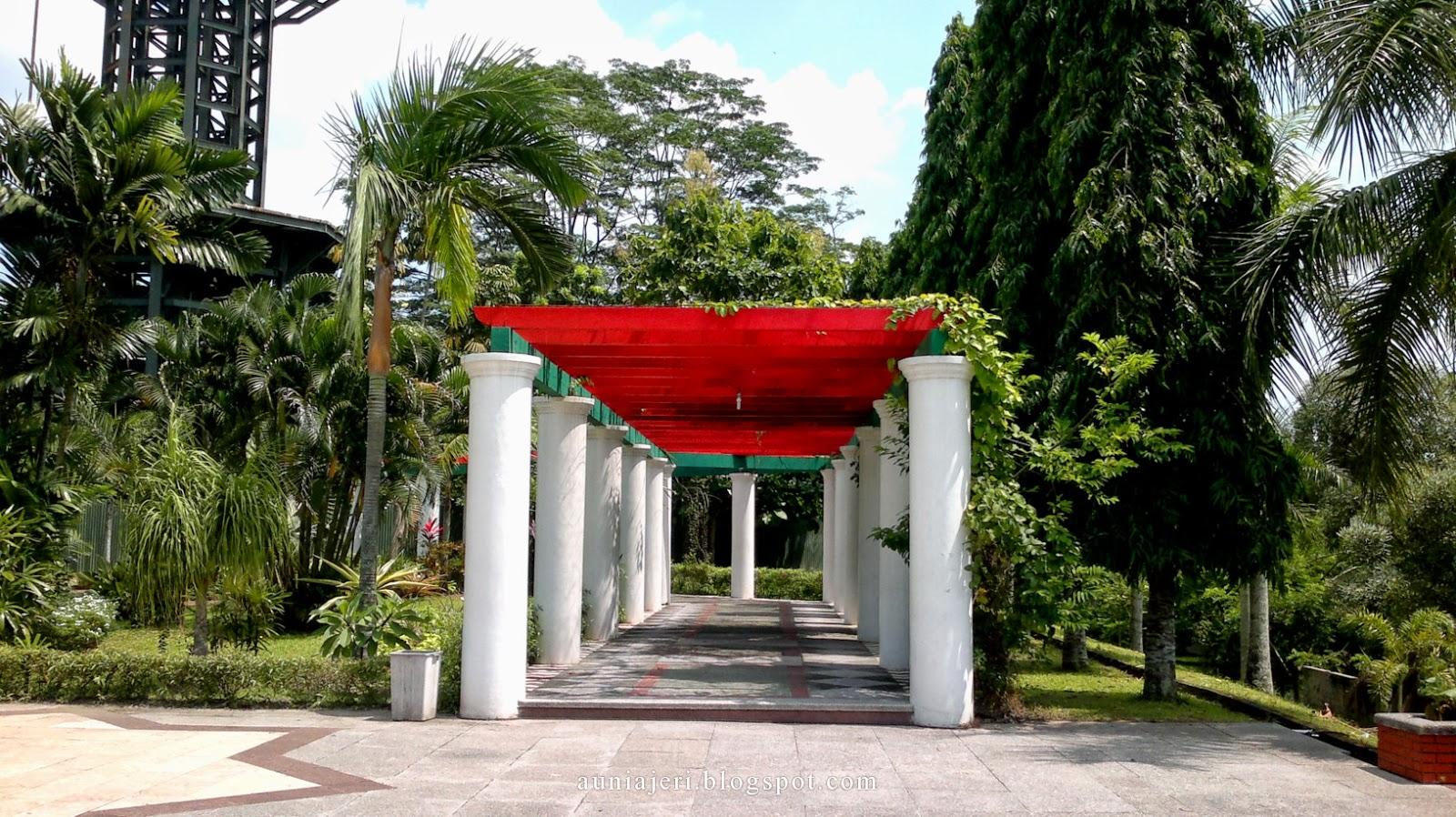 Masjid Kampus Ugm Yogyakarta Wisata Kemana Ruang Terlihat Megah Indah