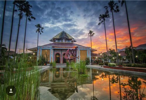 Masjid Sholahudin Ugm Pesona Kampus Terbesar Asean Ramah Lingkungan Maskam