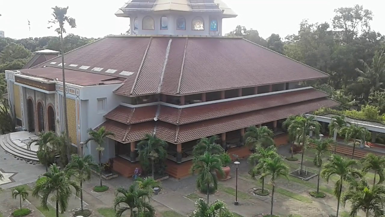 Naik Menara Masjid Kampus Ugm Youtube Maskam Kab Sleman