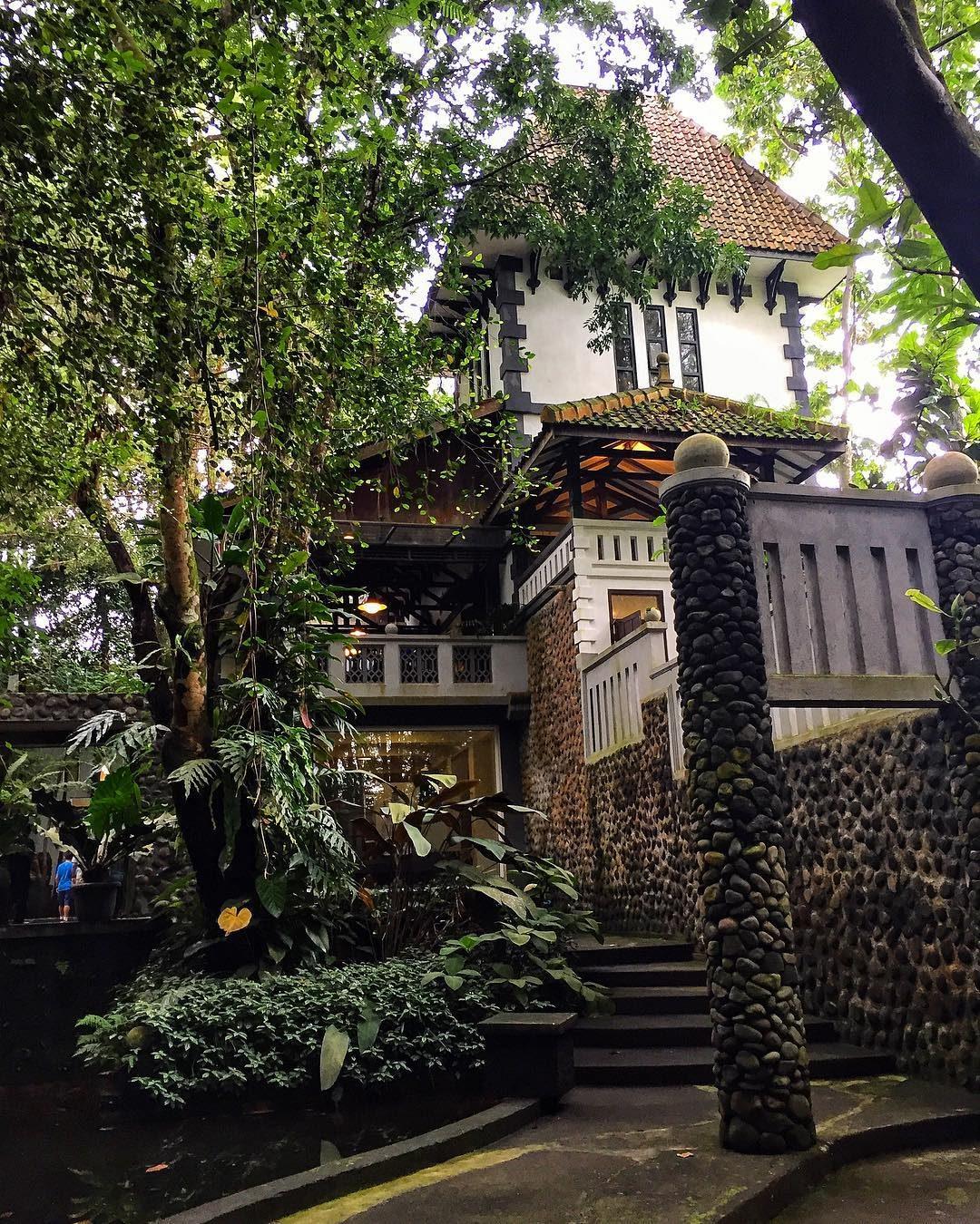 Belajar Budaya Museum Ullen Sentalu Jl Boyong Pakem Kab Sleman