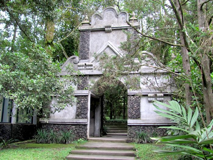 Kaliurang Tempat Wisata Favorit Yogyakarta Museum Ullen Sentalu Kab Sleman