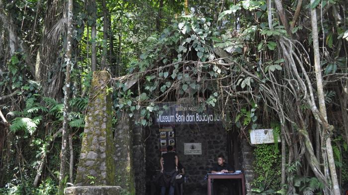 Museum Ullen Sentalu Jogja Tidak Wisata Alam Belajar Budaya Jawa