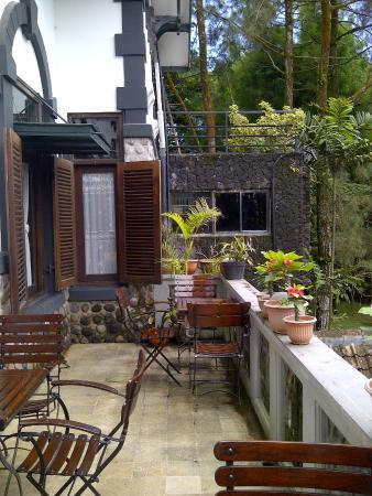 Terrace Beukenhof Ullen Sentalu Kaliurang Yogyakarta Museum Kab Sleman